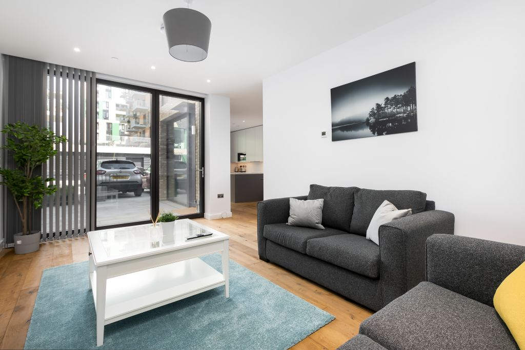 image 9 furnished 3 bedroom Apartment for rent in Greenwich, Greenwich
