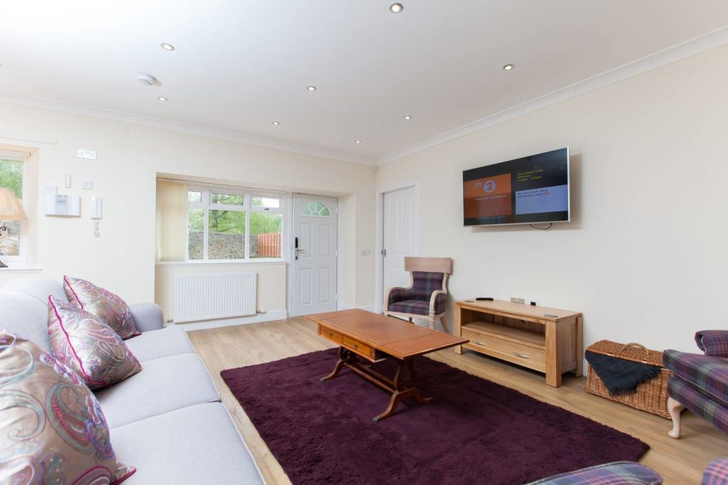 image 5 furnished 3 bedroom Apartment for rent in Edinburgh, Scotland