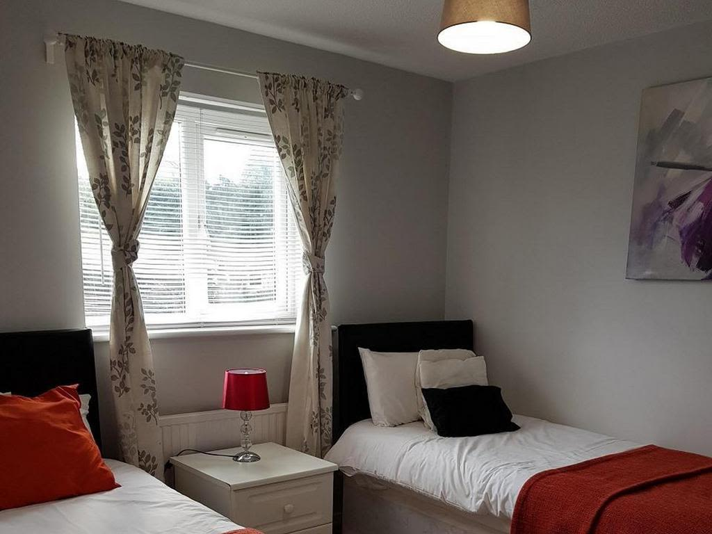 image 7 furnished 4 bedroom Apartment for rent in Luton, Bedfordshire