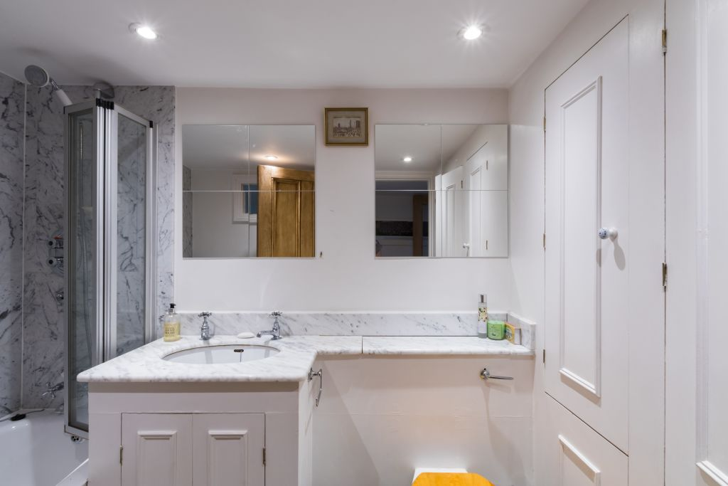 image 2 furnished 4 bedroom Apartment for rent in Sands End, Hammersmith Fulham