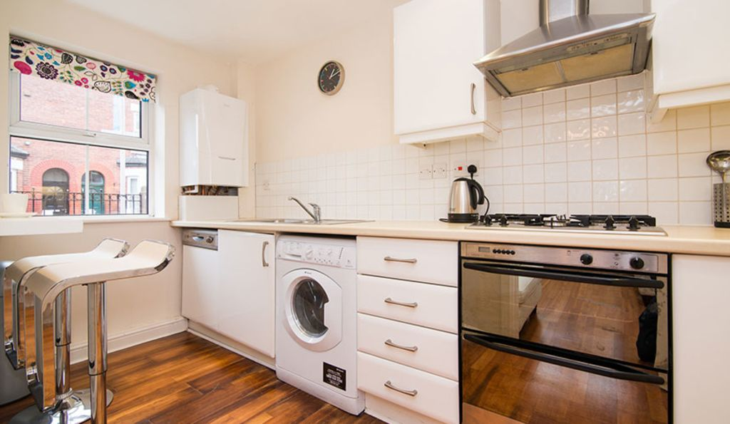 image 2 furnished 2 bedroom Apartment for rent in Withington Ladybarn, Manchester