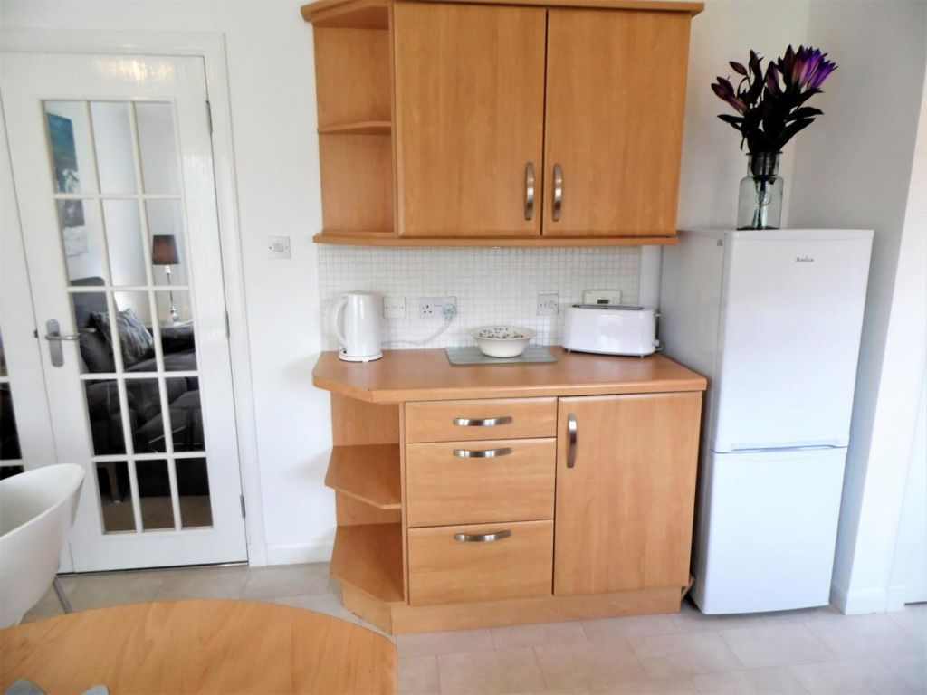 image 10 furnished 3 bedroom Apartment for rent in Glasgow, Scotland