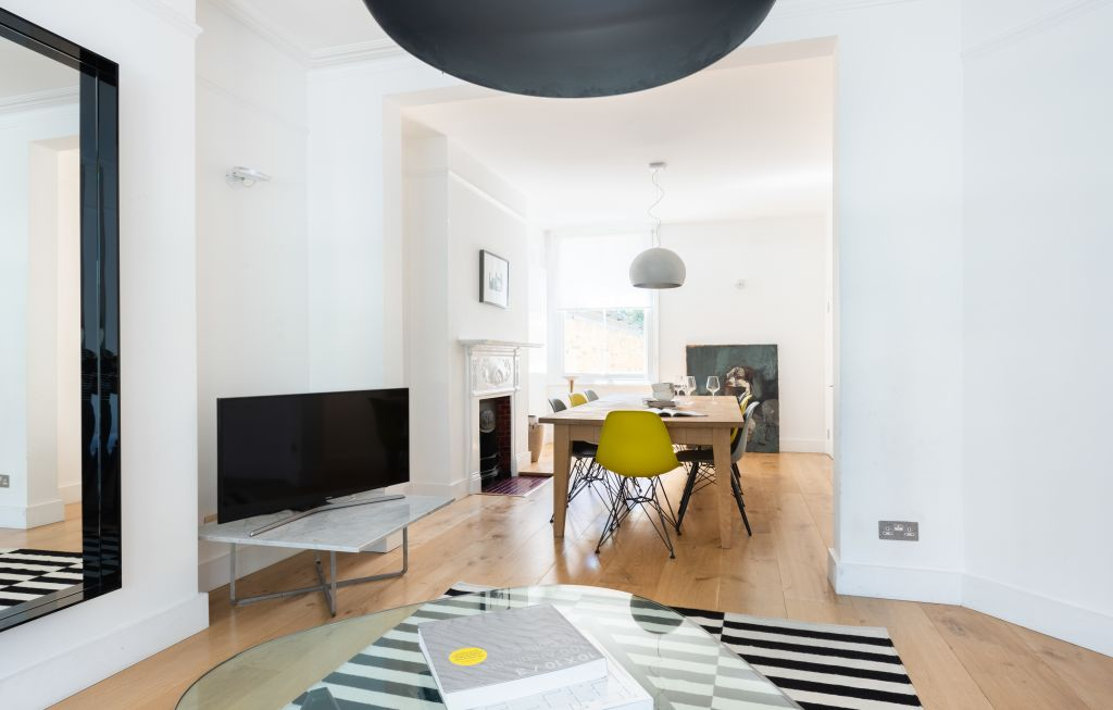 image 1 furnished 4 bedroom Apartment for rent in White City, Hammersmith Fulham