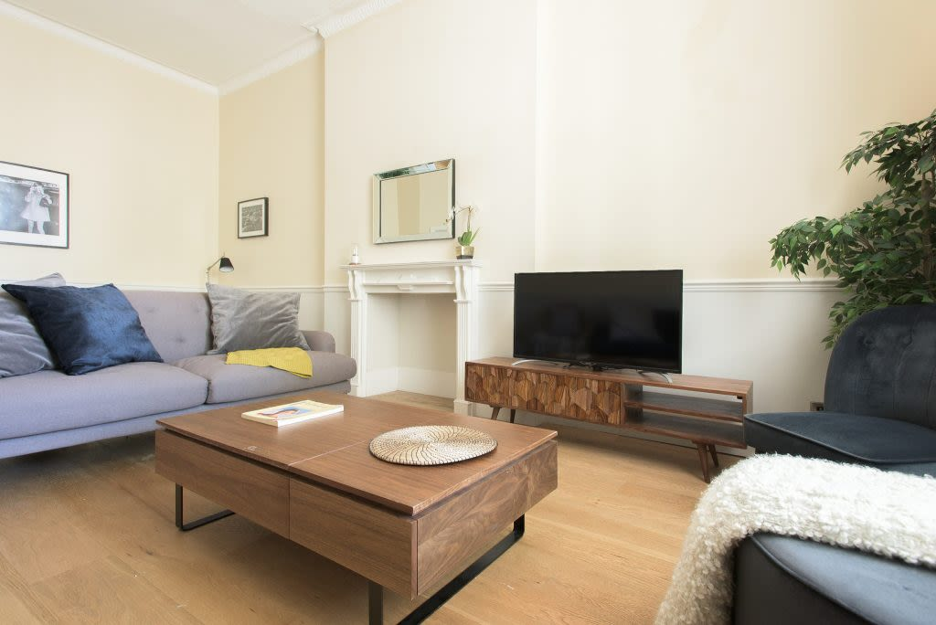image 2 furnished 4 bedroom Apartment for rent in Westminster, City of Westminster