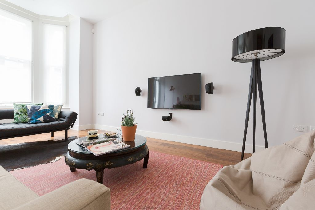image 5 furnished 3 bedroom Apartment for rent in Kensington, Kensington Chelsea