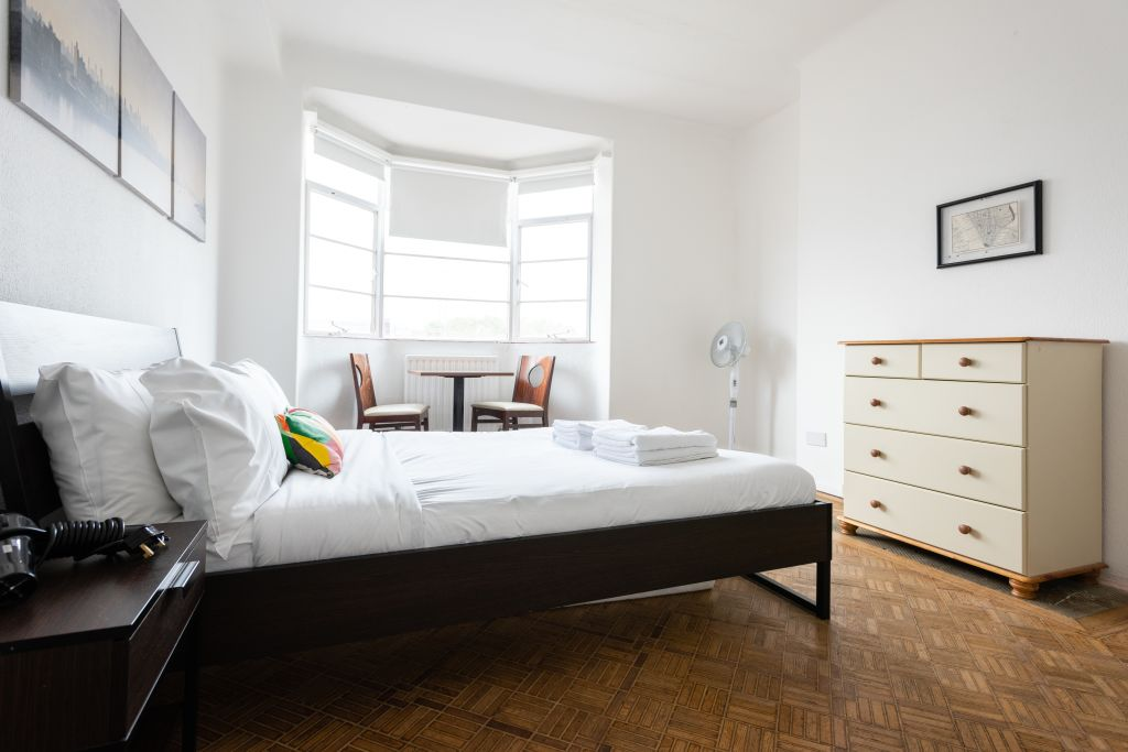 image 1 furnished 4 bedroom Apartment for rent in Bloomsbury, Camden
