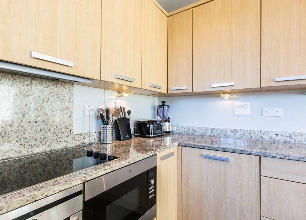 image 5 furnished 3 bedroom Apartment for rent in Brighton - Hove, East Sussex