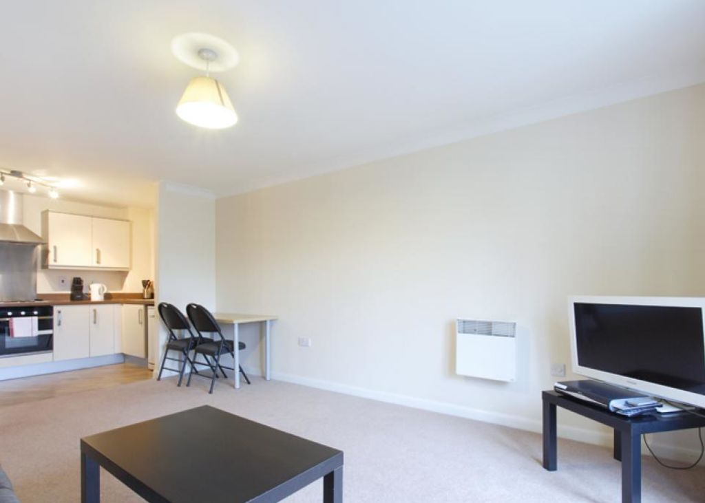 image 2 furnished 1 bedroom Apartment for rent in Dacorum, Hertfordshire