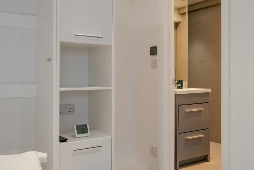 image 9 furnished 1 bedroom Apartment for rent in North End, Bexley