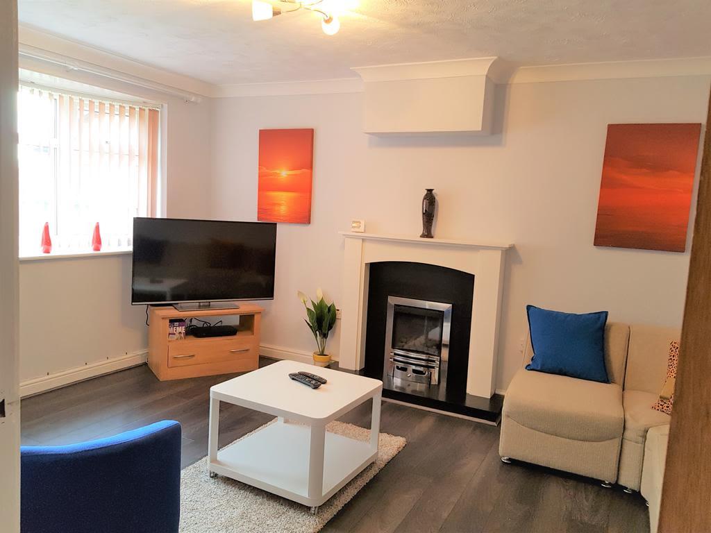 image 1 furnished 3 bedroom Apartment for rent in Nottingham, Nottinghamshire