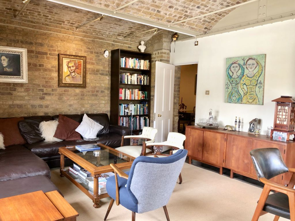 image 2 furnished 2 bedroom Apartment for rent in Wapping, Tower Hamlets