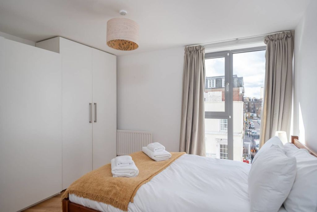image 10 furnished 1 bedroom Apartment for rent in Warwick, Warwickshire