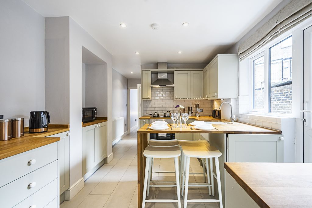 image 10 furnished 2 bedroom Apartment for rent in Wandsworth, Wandsworth