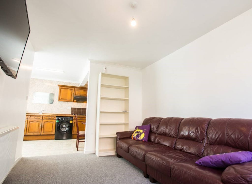 image 3 furnished 3 bedroom Apartment for rent in Brighton - Hove, East Sussex