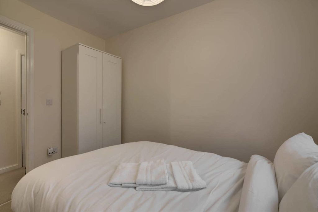 image 6 furnished 2 bedroom Apartment for rent in Moston, Manchester