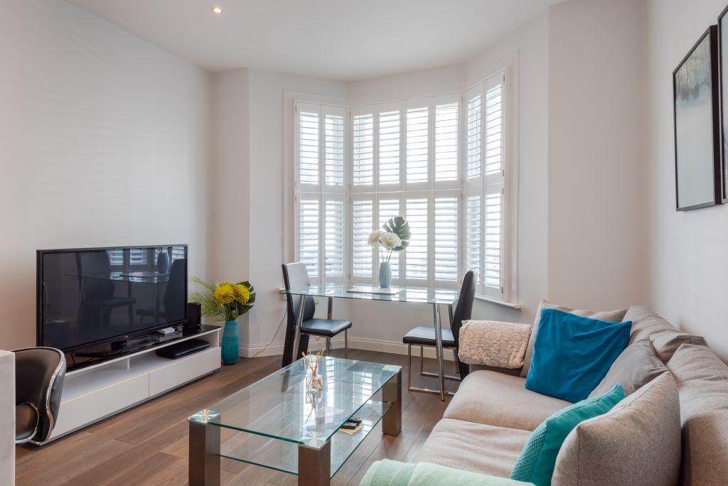 image 2 furnished 2 bedroom Apartment for rent in Kilburn, Brent