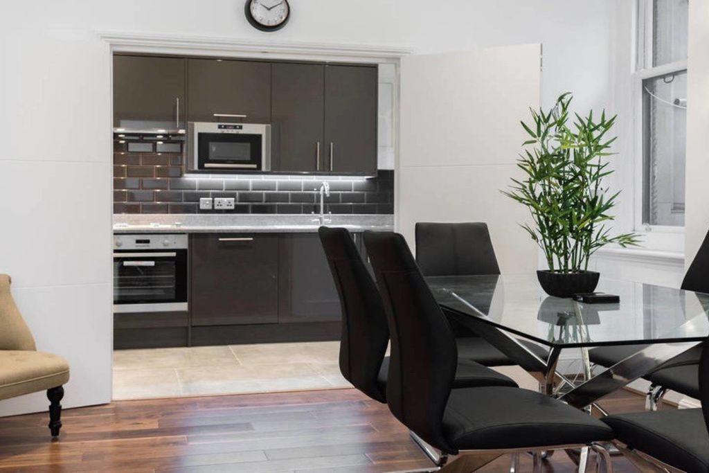 image 3 furnished 2 bedroom Apartment for rent in Castle Baynard, City of London