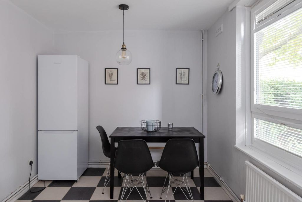 image 10 furnished 2 bedroom Apartment for rent in St Giles, Camden