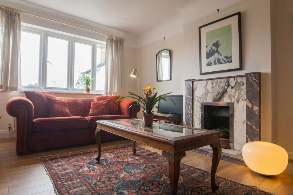 image 1 furnished 4 bedroom Apartment for rent in Wandsworth, Wandsworth