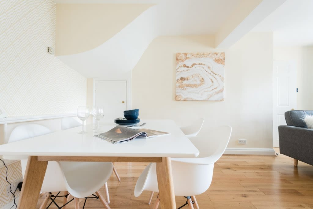 image 6 furnished 3 bedroom Apartment for rent in Bath and North East, Somerset