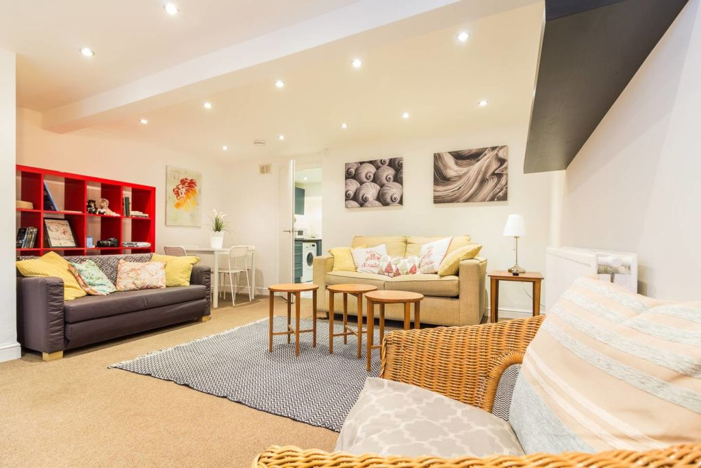 image 1 furnished 2 bedroom Apartment for rent in Hackney Downs, Hackney
