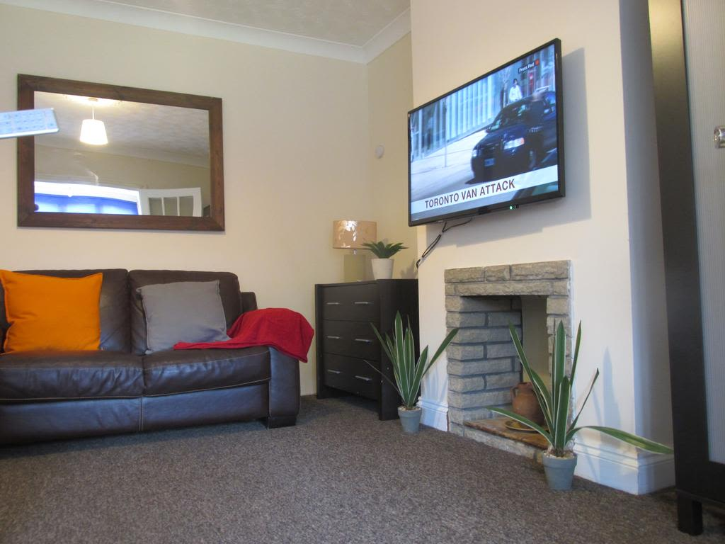 image 3 furnished 4 bedroom Apartment for rent in Luton, Bedfordshire