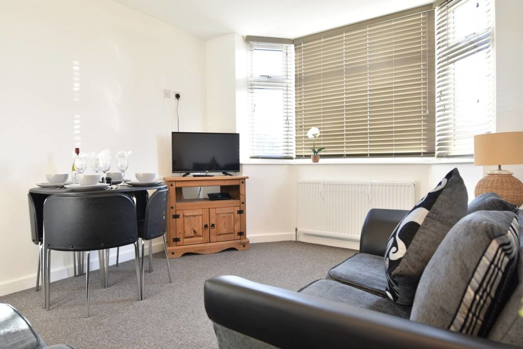 image 10 furnished 4 bedroom Apartment for rent in Wyken, Coventry