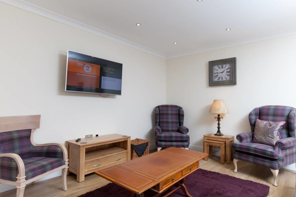 image 6 furnished 3 bedroom Apartment for rent in Edinburgh, Scotland