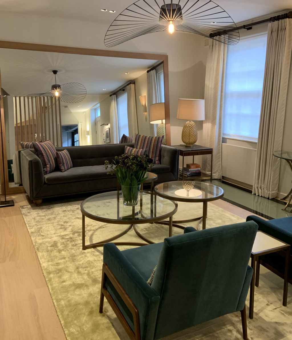 image 2 furnished 3 bedroom Apartment for rent in Earls Court, Kensington Chelsea