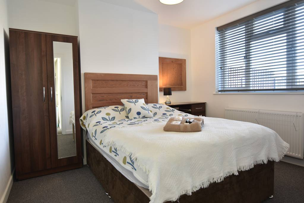 image 2 furnished 4 bedroom Apartment for rent in Wyken, Coventry