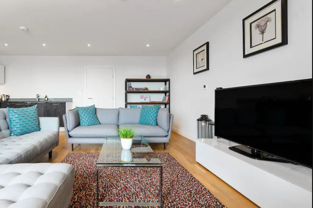 image 1 furnished 2 bedroom Apartment for rent in New Cross, Lewisham