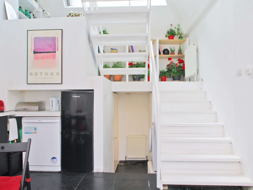 image 2 furnished 2 bedroom Apartment for rent in Camden Town, Camden