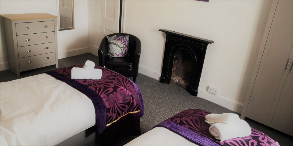 image 7 furnished 3 bedroom Apartment for rent in Compton, Wolverhampton