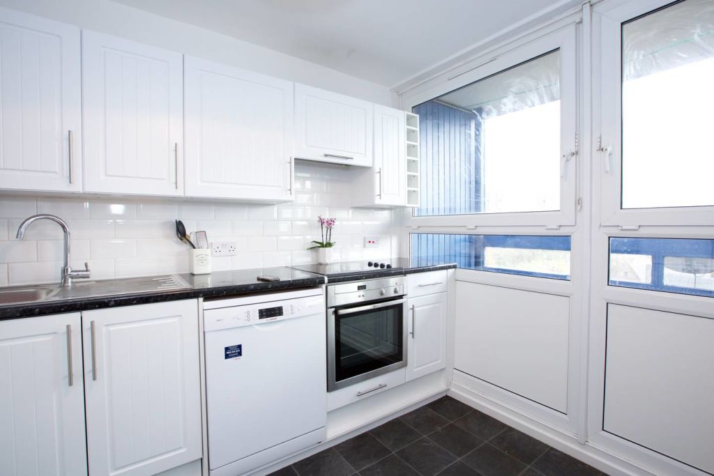 image 7 furnished 3 bedroom Apartment for rent in Newington, Southwark