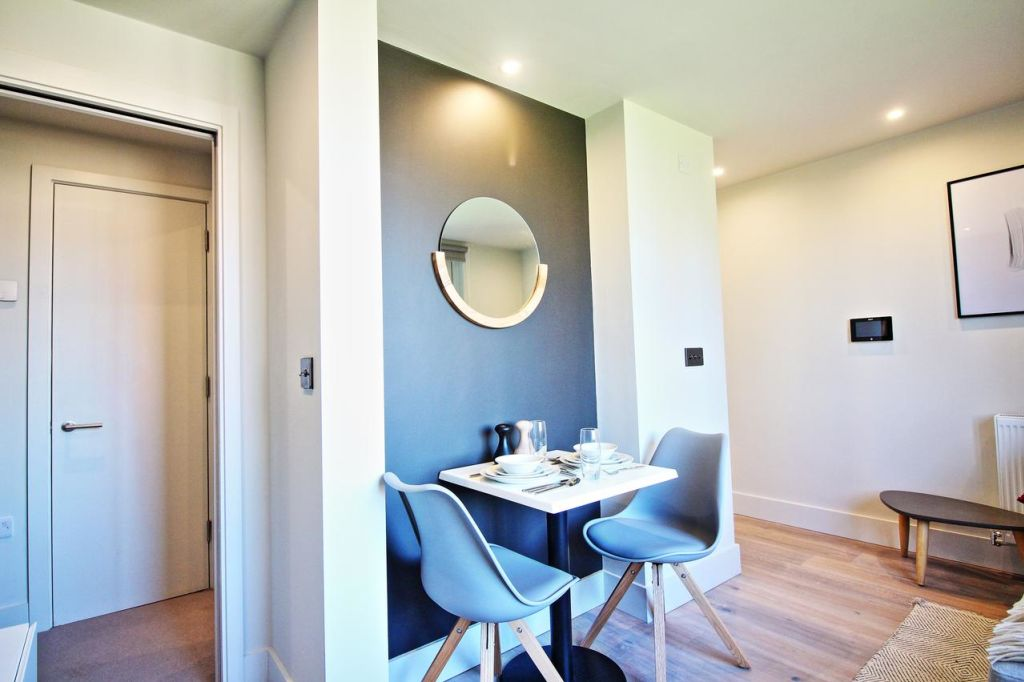 image 9 furnished 1 bedroom Apartment for rent in Hulme, Manchester