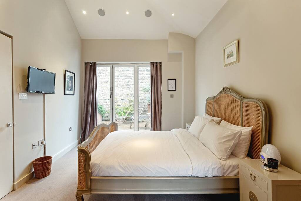 image 5 furnished 4 bedroom Apartment for rent in Chelsea, Kensington Chelsea