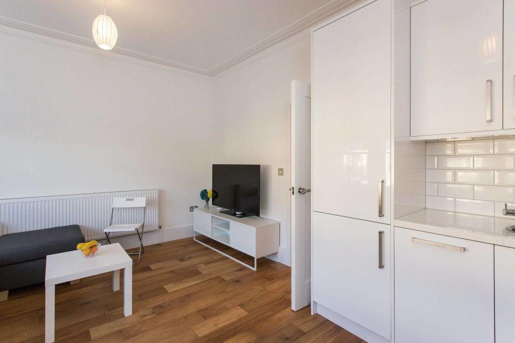 image 5 furnished 2 bedroom Apartment for rent in Lewisham, Lewisham