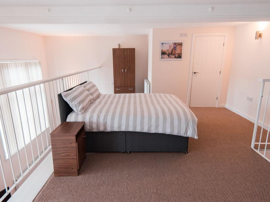 image 5 furnished 3 bedroom Apartment for rent in Kingston upon Hull, East Riding