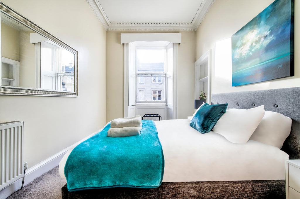 image 10 furnished 3 bedroom Apartment for rent in Edinburgh, Scotland