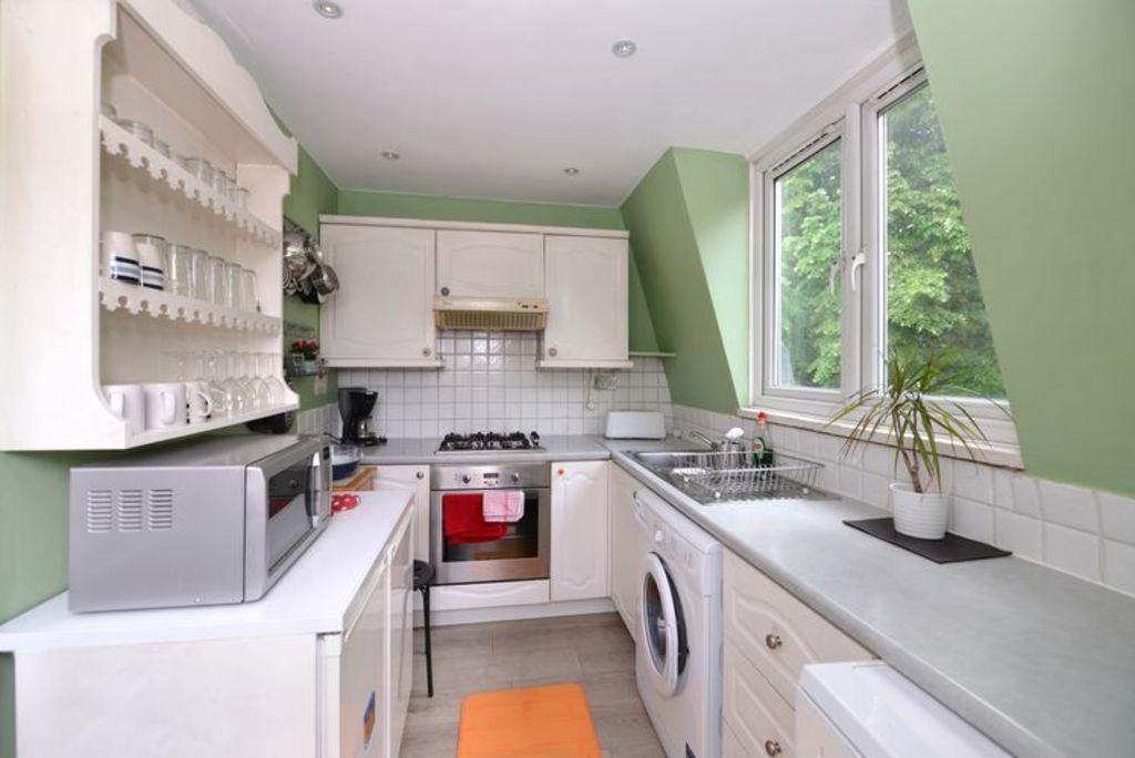 image 6 furnished 2 bedroom Apartment for rent in Holland Park, Kensington Chelsea