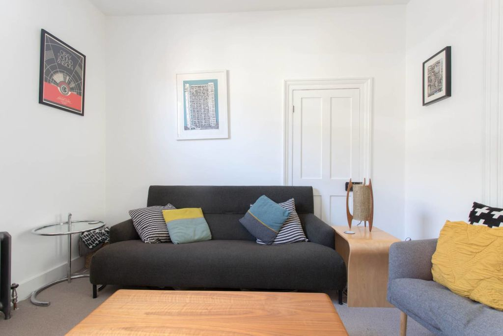 image 2 furnished 3 bedroom Apartment for rent in Bow, Tower Hamlets