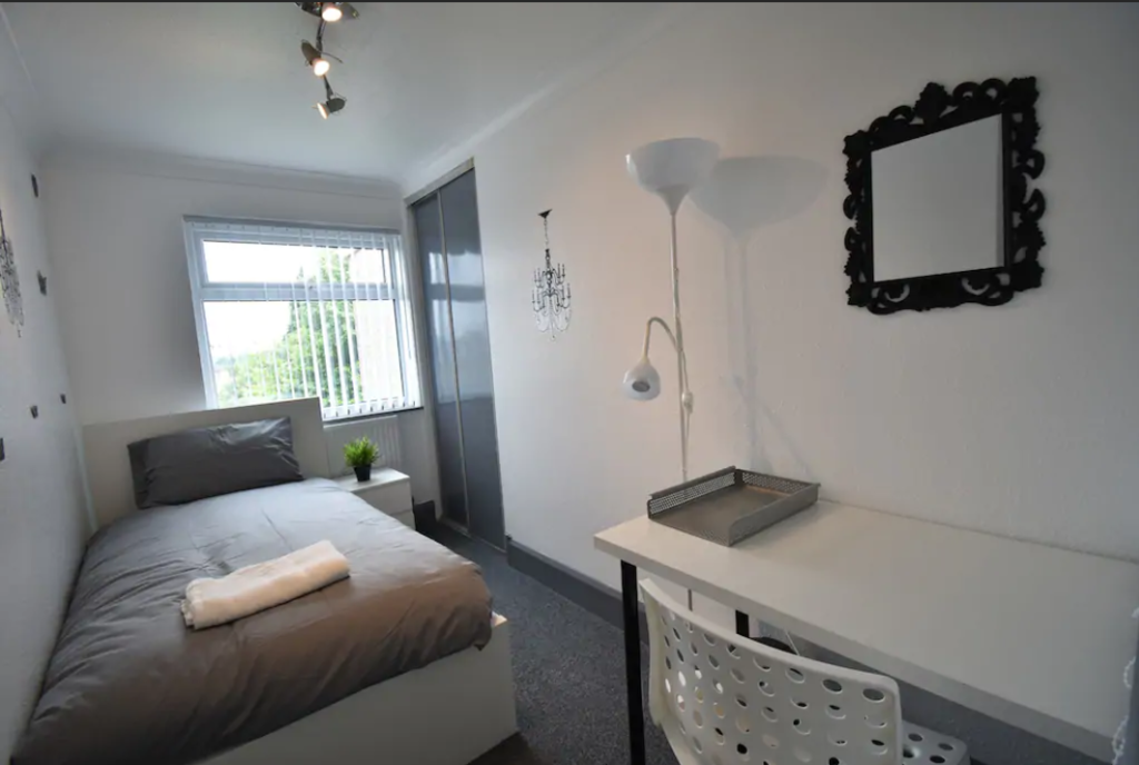 image 7 furnished 3 bedroom Apartment for rent in Cheylesmore, Coventry