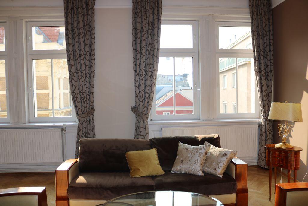 image 3 furnished 3 bedroom Apartment for rent in Josefstadt, Vienna