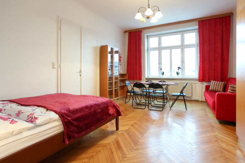 image 1 furnished 3 bedroom Apartment for rent in Wahring, Vienna
