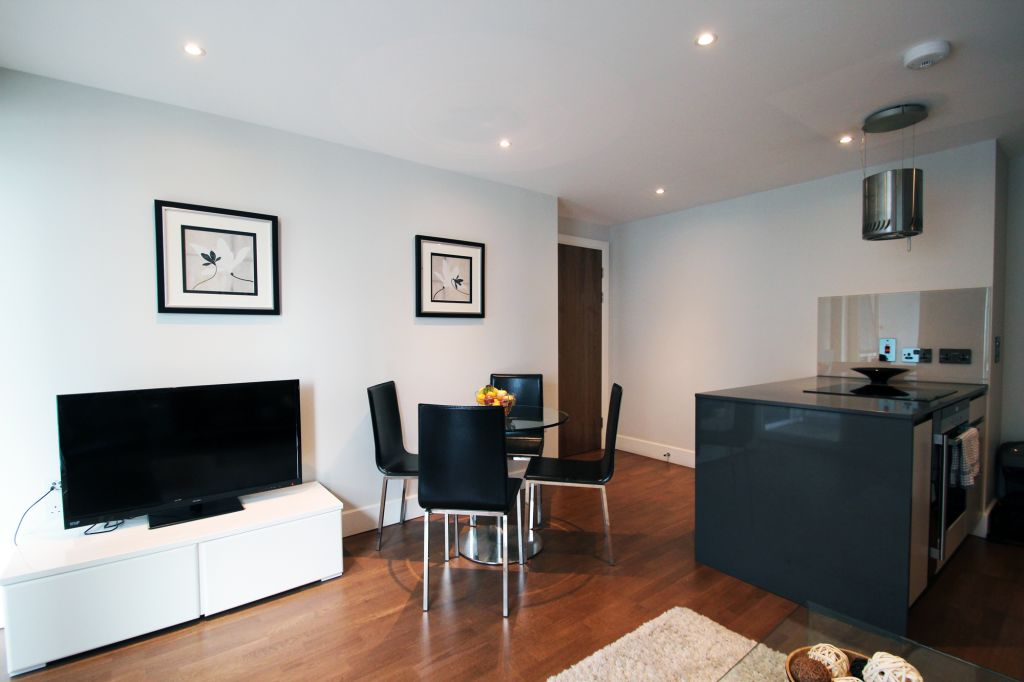 image 1 furnished 1 bedroom Apartment for rent in Spitalfields, Tower Hamlets