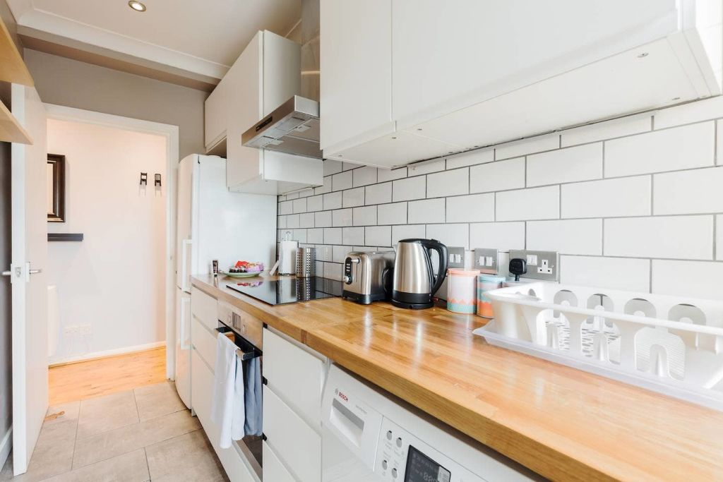 image 6 furnished 1 bedroom Apartment for rent in Newington, Southwark