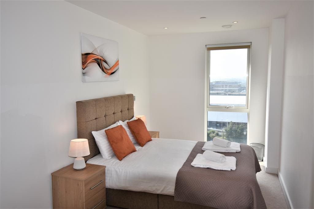 image 1 furnished 2 bedroom Apartment for rent in Slough, Berkshire