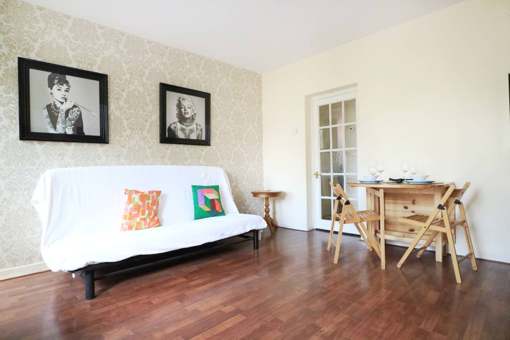 image 5 furnished 3 bedroom Apartment for rent in Spitalfields, Tower Hamlets