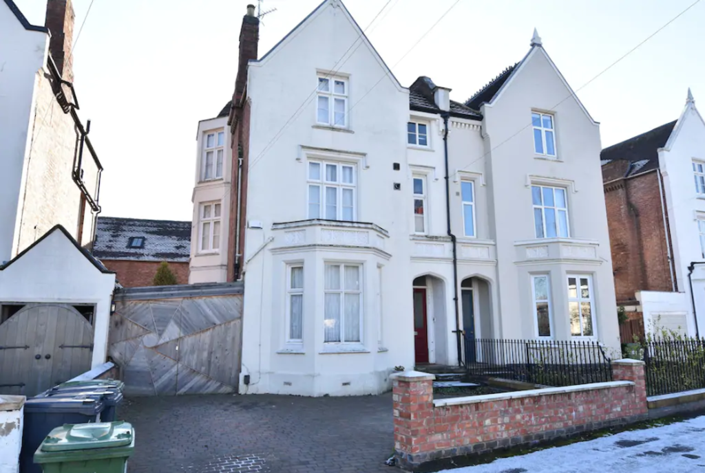 image 10 furnished 5 bedroom Apartment for rent in Warwick, Warwickshire