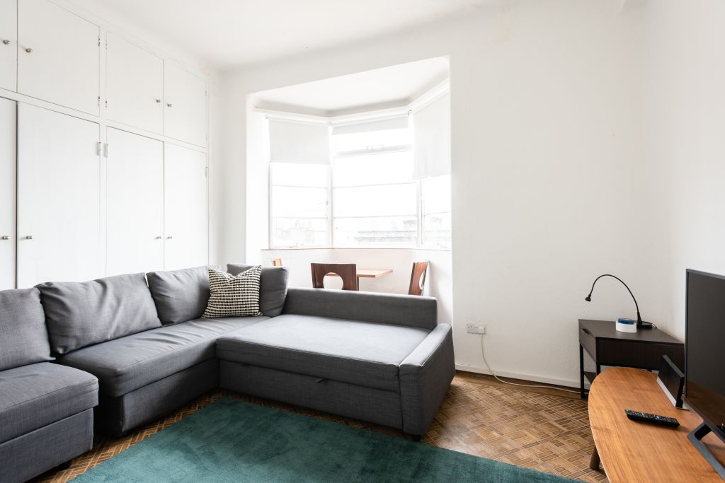 image 10 furnished 4 bedroom Apartment for rent in Bloomsbury, Camden